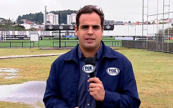 O repórter André Cavalcante foi dispensado do Fox Sports.