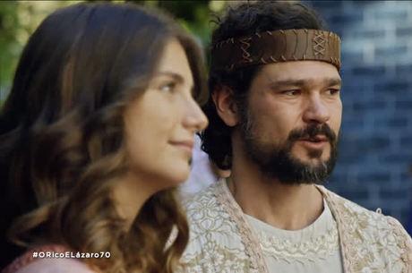 Daniel demonstra que está apaixonado por Lia
