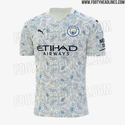 O rival do United também lançou um uniforme polêmico. Com uma mistura de branco, azul e tons de rosa, o Manchester City inovou na vestimenta alternativa