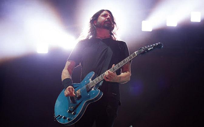 O rock veio em grande estilo ao Maracanã em 25 de fevereiro de 2018. A banda FOO FIGHTERS fez um show de duas horas de duração, com direito a sucessos como
