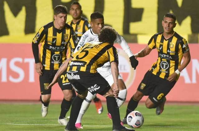 O Santos voltou a mostrar muitos problemas defensivos, principalmente na bola aérea, e acabou derrotado por 2 a 1 pelo The Strongest, na altitude boliviana (notas por Diário do Peixe).