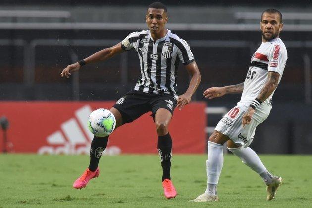 O São Paulo foi derrotado por 1 a 0, pelo Santos, no Morumbi, na tarde deste domingo (10). Com mais uma falha defensiva na saída de bola, a equipe de Diniz viu o adversário aproveitar o erro e abrir o placar no começo do segundo tempo. Confira as notas do São Paulo! (Por Redação SP)