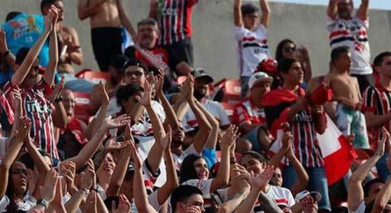 O Sao Paulo também teve o ticket médio no valor de 49 reais. Em 25 jogos, o clube colocou média de 29.187 pagantes no Morumbi.