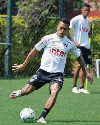 O São Paulo voltou aos gramados na manhã desta segunda-feira após o empate por 1 a 1 diante do Coritiba, pela 13ª rodada do Campeonato Brasileiro. Confira em imagens como foi.