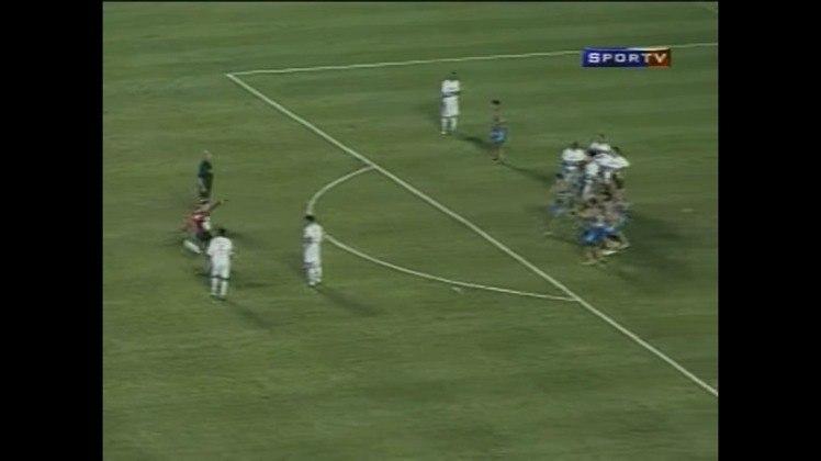 O segundo gol foi marcado já no segundo tempo, também de falta. A partida estava 2 a 0 para o Tricolor, quando Ceni ampliou ainda mais o placar.