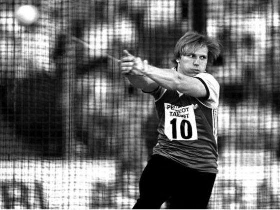 O segundo recorde mais antigo ainda persistente no atletismo olímpico é do soviético Sergey Litvinov. Nos Jogos de Seul, em 1988, ele alcançou a marca de 84.80m no lançamento de martelo.