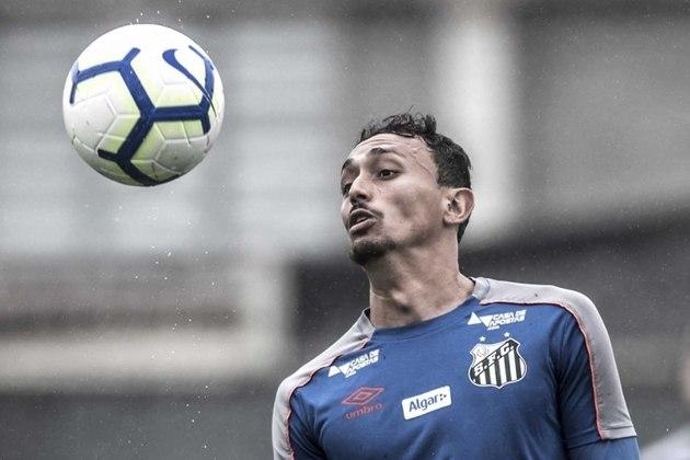 O segundo time com mais jogadores contaminados é o Santos. Ao todo, nove atletas do Peixe testaram positivo. Um deles é o volante Diego Pituca, que desfalca o time na partida contra o Athletico-PR, no sábado (21)
