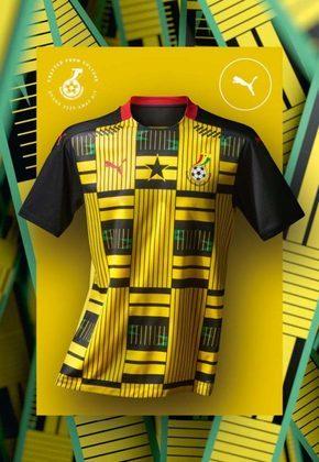 O segundo uniforme da seleção ganesa, também lançado na última segunda-feira, dá o destaque para a cor amarela, sempre com a tradicional estrela preta de sua bandeira no centro. Gana brilhou ao surpreender o mundo e chegar até as quartas de final da Copa do Mundo de 2010.