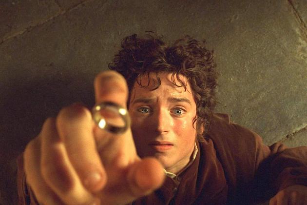 O Senhor dos Anéis - A Sociedade do Anel:20 anos atrás, chegava aos cinemas o primeiro filme da trilogia de grande sucesso, adaptada dos livros de J.R.R. Tolkien.Confira curiosidades da trilogia