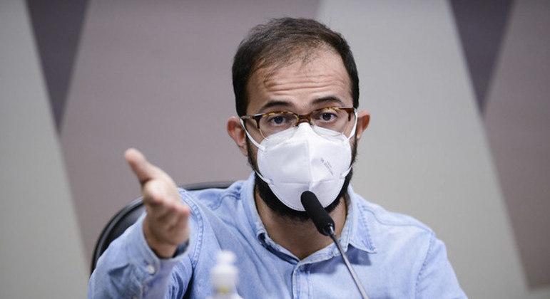 Luís Ricardo afirmou que as informações da nota foram corrigidas, mas o pedido de importação foi negado pela Anvisa