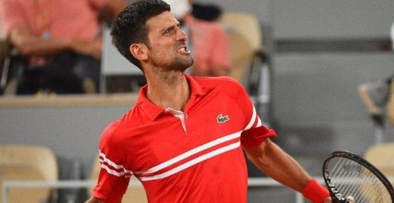 O sérvio Novak Djokovic se sagrou campeão de Roland Garros e chegou ao 19º título de Grand Slam na carreira. Com isso, o tenista está a uma conquista de se igualar a Roger Federer e Rafael Nadal, e mantém vivo o sonho de ultrapassar as lendas. Veja como está a disputa