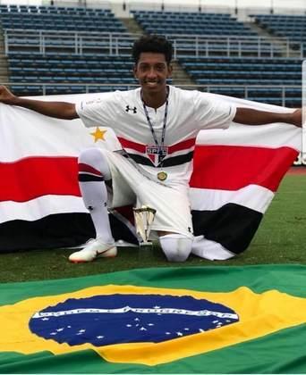 O seu valor de mercado não foi estimado pelo Transfermarkt. O meia chegou ao São Paulo para jogar futsal aos 10 anos e mudou para o campo aos 13. Na base, ganhou destaque e se tornou um dos principais nomes do sub-17.