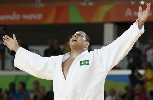 O sorteio das chaves das 14 categorias do Judô nos Jogos Olímpicos de Tóquio definiu o caminho dos brasileiros. Rafael Silva, o Baby (+100 kg), escapou da lenda francesa Teddy Riner. Já Eduardo Yudy levou a pior e irá enfrentar Sagi Muki, o melhor do mundo na categoria de 81 kg. No feminino, Larissa Pimenta (52 kg) encara a japonesa Uta Abe, uma das favoritas ao ouro. Já Maria Suelen (+78 kg) se livrou da cubana Idalys Ortiz.