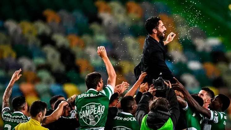 Na última semana, o Sporting venceu o Boavista por 1 a  0 e conquistou o título do Campeonato Português após mais de 19 anos na fila. Porém, o time de Lisboa não é o único gigante no mundo que ficou um longo tempo sem vencer a liga nacional. Confira os maiores jejuns da atualidade: