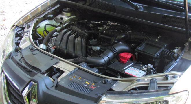 O Stepway usa motor 1.6 16V, com 118 cv de potência máxima  / Luiza Kreitlon / Agência AutoMotrix