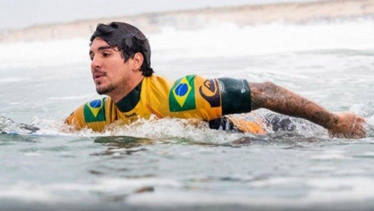 O surfe começa nesta noite, a partir das 19h. É um esporte que o Brasil deve conquistar medalhas no masculino e no feminino. Gabriel Medina (foto), Ítalo Ferreira, Tatiana Weston-Webb e Silvana Lima entram no mar.