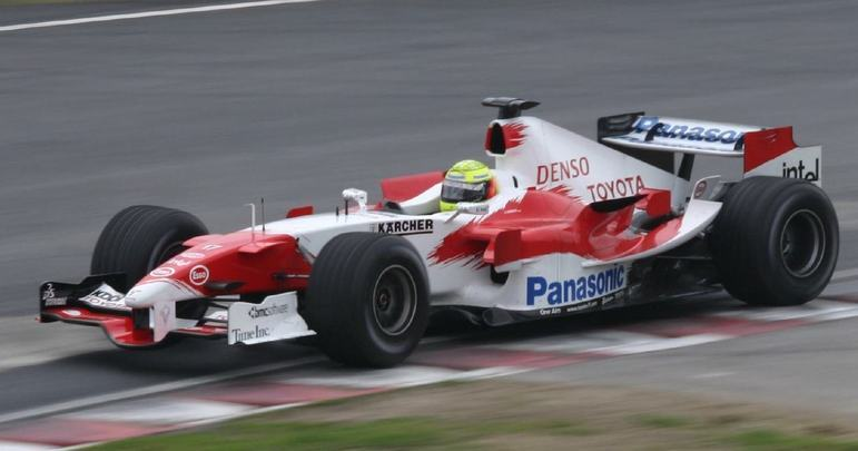 O TF105B chegou apenas no GP do Japão, penúltima prova da temporada, mas rendeu um pódio a Ralf Schumacher na corrida que encerrou a temporada, na China