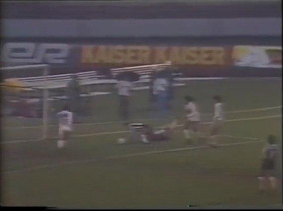O time titular do São Paulo foi de: Zetti; Cafu, Antônio Carlos, Ronaldão e Nelsinho; Sidnei, Suélio e Raí; Macedo, Muller e Elivélton. Técnico: Telê Santana.