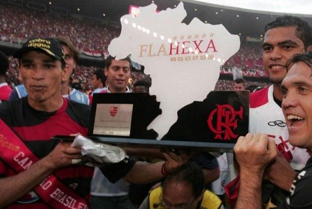 O título ficou com o Flamengo, que estava em sexto na 28ª rodada, com 42 pontos, 10 atrás do líder Palmeiras, e terminou com 67, dois à frente do Inter, vice-campeão. Os 67 pontos do Fla foi a menor pontuação de um campeão na era dos pontos corridos.