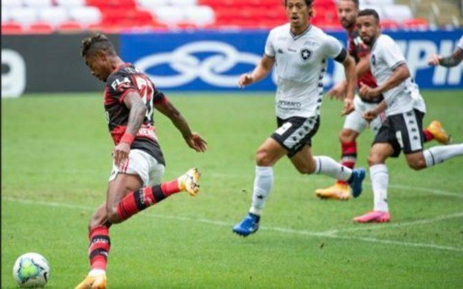 O torcedor do Flamengo provoca os rivais cariocas porque nunca foi rebaixado no Campeonato Brasileiro. E de fato o Rubro-Negro nunca caiu.