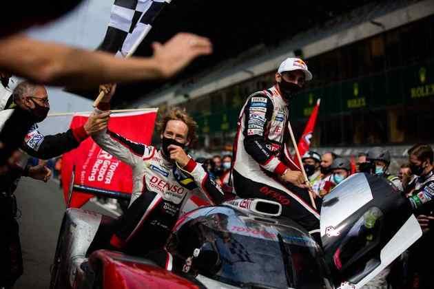 O Toyota #8 saiu com a vitória na LMP1 pelo terceiro ano seguido