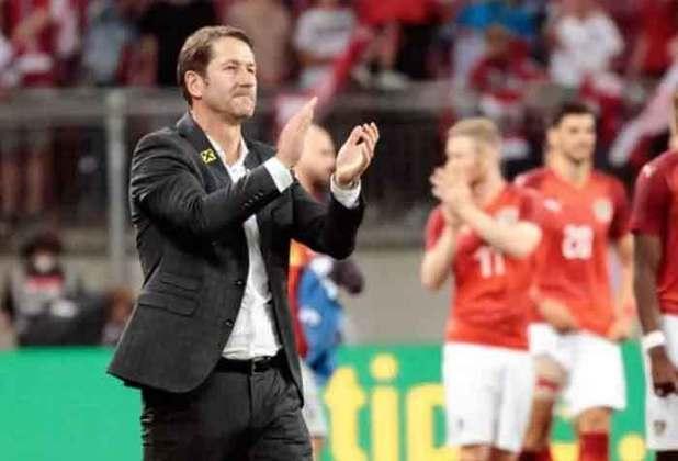 O treinador da Áustria, Franco Foda, está no comando da seleção desde 2017, e busca se classificar em um grupo com a Holanda. Em seus 34 jogos treinando os austríacos, o alemão conseguiu vencer 21 partidas, e perder nove jogos