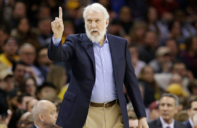 O treinador é Gregg Popovich, de 72 anos - Estreante em Olimpíada na função de técnico (bronze em Atenas-2004 como assistente da seleção masculina de basquete dos Estados Unidos)