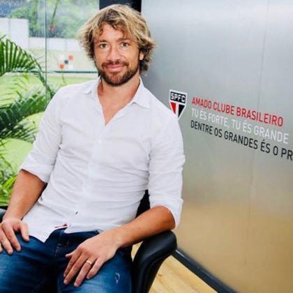 O Tricolor paulista também anunciou a saída do ídolo Diego Lugano, que ocupava o cargo de diretor de relações internacionais.