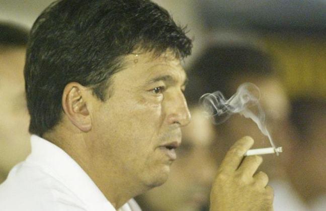 O último estrangeiro a passar pelo Corinthians foi Daniel Passarela, capitão da seleção argentina na Copa de 1978. O ex-zagueiro foi treinador do Timão em 2005, quando comandou Tevez, Mascherano & cia.