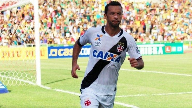 O último hat-trick cruz-maltino havia sido o de Nenê, na goleada, por 4 a 0, sobre o Sampaio Correia, em São Luís (MA), na abertura do Brasileiro da Série B, em 2016.
