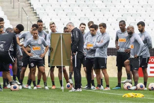 O último jogo oficial do Corinthians aconteceu há mais de dois meses. Ao todo, o time de Tiago Nunes disputou 12 partidas entre Paulistão e Copa Libertadores. Você sabe quem é o jogador que mais minutos ficou em campo nesses duelos? Confira a lista na galeria a seguir