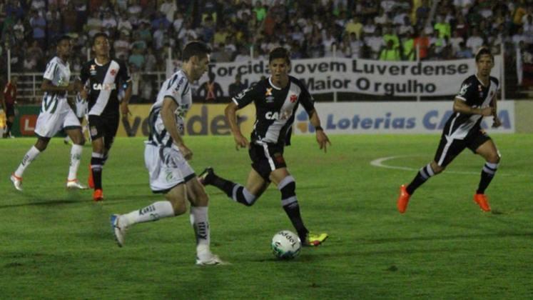 O Vasco teve um início de Série B em 2016 no qual se empenhou em não dar brechas para novos sustos. O Cruz-Maltino venceu seis partidas, empatou uma e só foi derrotada no oitavo jogo (para o Atlético-GO, em partida na qual perdeu uma invencibilidade que durava 35 jogos). O aproveitamento de 79,1% ajudou a equipe a subir em terceiro, com 65 pontos.