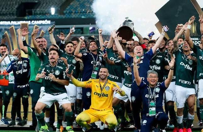 O Verdão faturou a competição duas vezes, venceu o Santos na final da Libertadores de 2020/2021 e detém o posto de atual campeão.