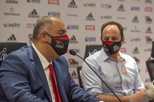 O vice-presidente de futebol Marcos Braz participa da apresentação de Rogério Ceni