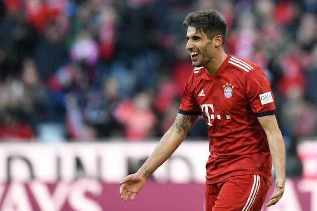 O volante espanhol Javi Martínez deixou o Bayern de Munique após nove anos atuando na equipe bávara. O contrato do jogador se encerra no próximo dia 30, mas já foi anunciado que não permanecerá no atual campeão alemão