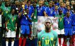 O volante Marc Vivien Foé acabou tendo sua camisa aposentada por dois clubes diferentes. O camaronês faleceu durante uma partida da Copa das Confederações em 2003, e o Manchester City, clube onde atuava, retirou a camisa 23 de circulação. Depois, o Lyon, dono do passe do atleta, aposentou a camisa 17 por um tempo.