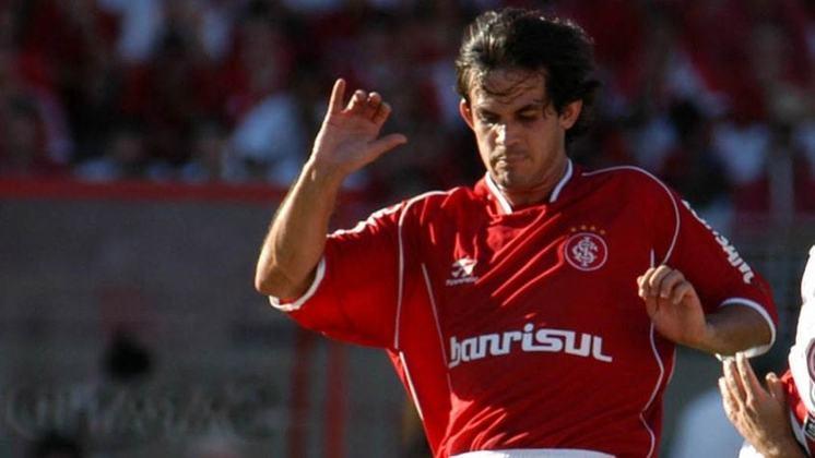 O volante paraguaio Gavilán foi contratado pelo Flamengo em 2008 após ter defendido Inter e Grêmio. Por questões físicas, assinou contrato de risco e jogou apenas cinco partidas.