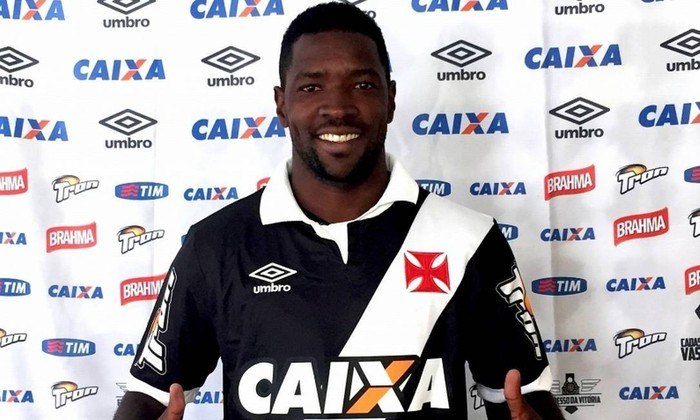 O volante Victor Bolt assinou, em 2015, um contrato de três anos com o Vasco. Jogou apenas três partidas, foi repetidas vezes e emprestado e, encerrado o vínculo, jogou na China e, atualmente está no Botafogo-SP.