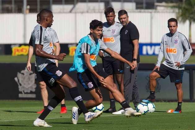 O zagueiro Caetano está emprestado ao Oeste até janeiro de 2021. Seu contrato com o Corinthians termina em fevereiro de 2024.