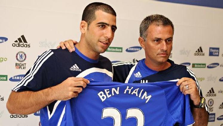 O zagueiro israelense Tal Ben Haim foi contratado com status de titular. Mas nunca se firmou e em 2008 foi cedido ao Manchester City. Entretanto os azúis ganharam na época 6,4 milhões de euros (cerca de R$ 40,7 milhões).