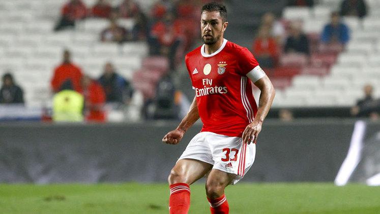 O zagueiro Jardel, hoje no Benfica, foi campeão paulista com o Santos em 2006, mesmo sem jogar. Entretanto, deixou o clube no ano seguinte, sem nunca ter saído do banco