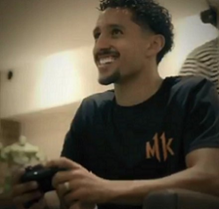 O zagueiro Marquinhos, do PSG (FRA), é outro apaixonados pelo estilo FPS (games de tiro em primeira pessoa).
