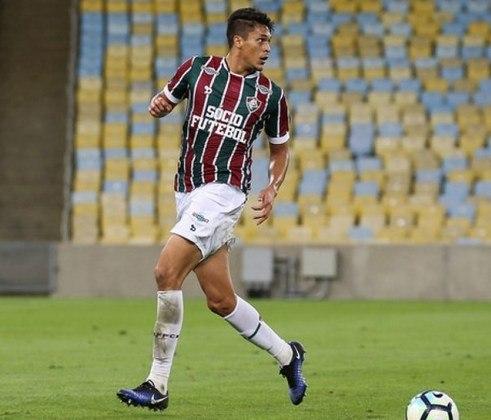O zagueiro Reginaldo está emprestado ao CRB até o final desta temporada, mesma duração de seu contrato com o Fluminense.