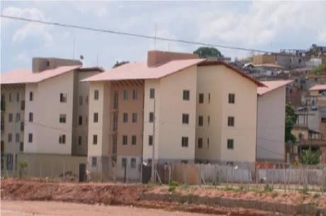 Construção das habitações está paralisada em BH