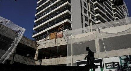 Confiança da construção caiu 3,2 pontos em março