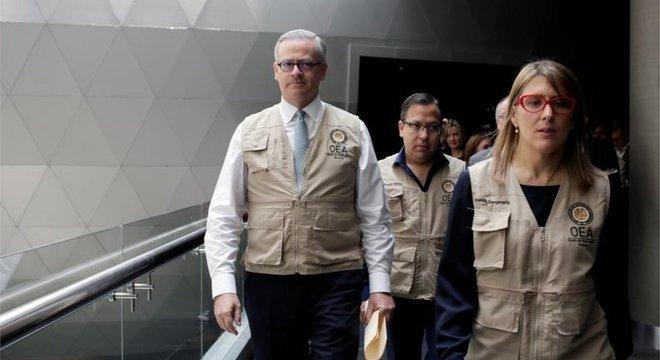 Observadores internacionais da OEA mostraram preocupação com o processo de recontagem de votos