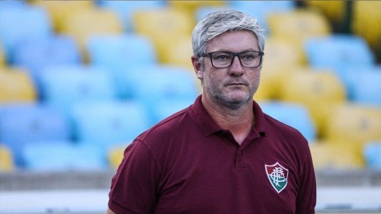 Odair Hellmann - 7,0  Conseguiu encontrar seu time ideal. Além disso, fez com que o Tricolor chegasse ao segundo gol a partir de suas modificações.