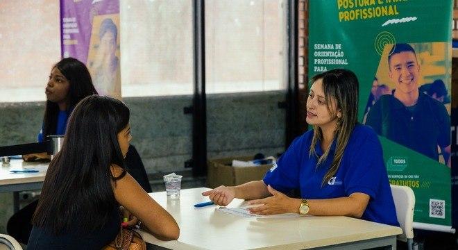 Jovens à procura de emprego vão receber orientações do CIEE