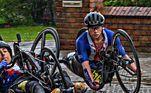 Uma lesão nas costas a impediu de continuar praticando o remo, mas, ao invés de desistir dos esportes, Oksana passou a praticar Handbike a fim de buscar uma recuperação