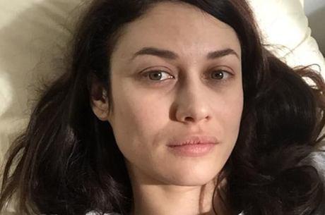 Olga Kurylenko anunciou que está com covid 19